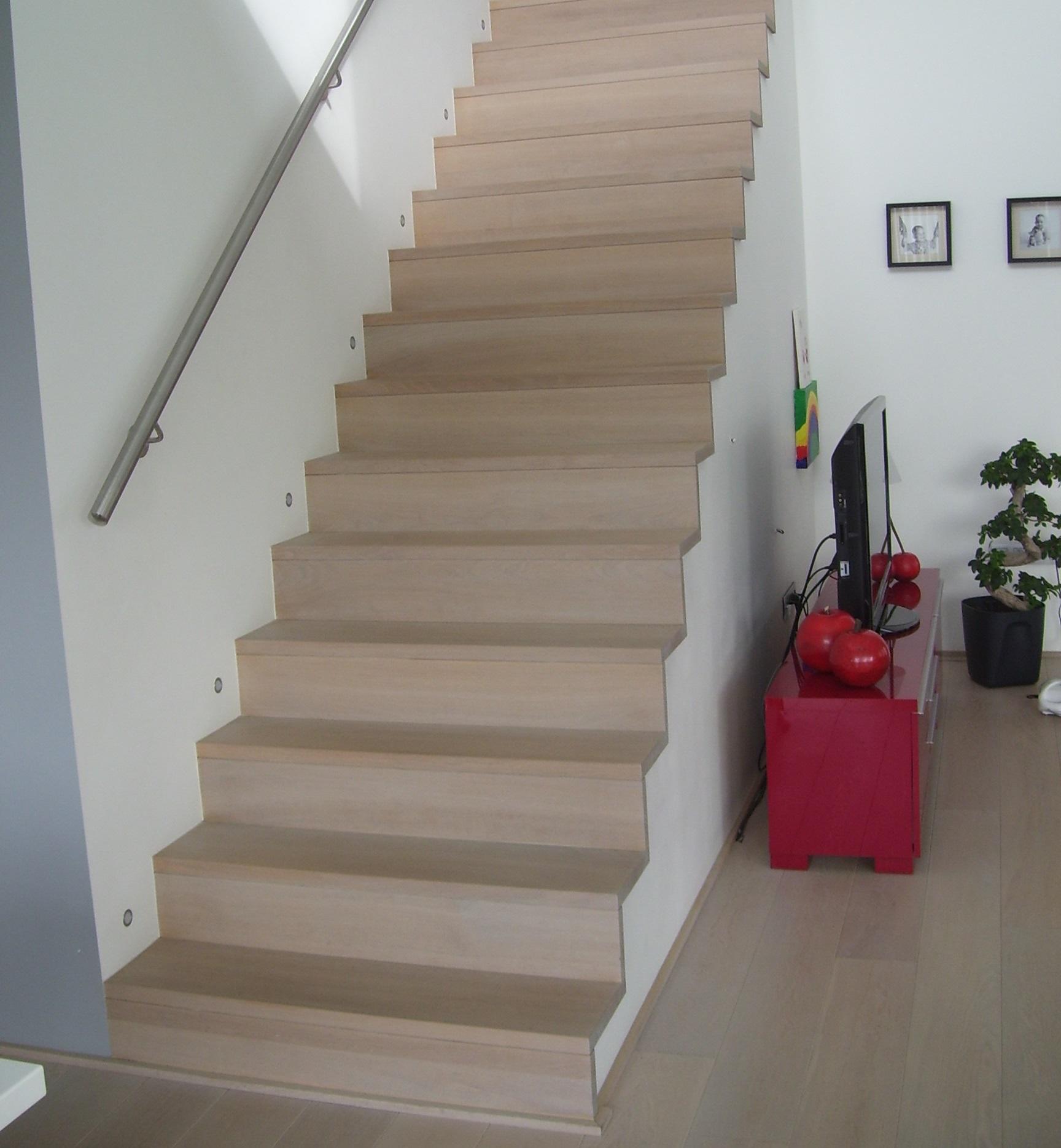 Patrick lenaerts specialist in het bekleden van betonnen for Dikte traptreden hout